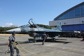 14浜松基地・戦闘機展示